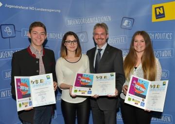 Redewettbewerb im Sitzungssaal des Niederösterreichischen Landtags: Fabian Butzenlechner, Nermina Ticevic, Landesrat Mag. Karl Wilfing und Anna Schagerl. (v.l.n.r.)