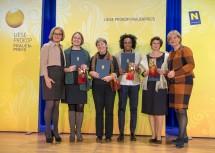 """Gratulation an die Gewinnerinnen der Kategorie """"Wissenschaft und Technologie"""": Landeshauptfrau Johanna Mikl-Leitner, Sandra Siegert, Eleonore Kleindienst, Hirut Grossberger, Patricia Engel  und Frauen-Landesrätin Barbara Schwarz (v.l.n.r.)"""