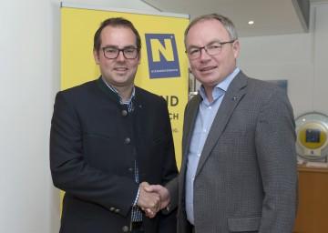 Neuer Anti-Atomkoordinator des Landes Niederösterreich: Mag. Christoph Urbanek mit Umwelt-Landesrat Dr. Stephan Pernkopf. (v.l.n.r.)