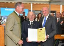 Verleihung der Ehrenbürgerschaft an Bgm. a. D. Herbert Butzenlechner durch Landeshauptmann Dr. Erwin Pröll und Bgm. Mag. Gerhard Karner.