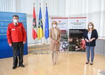 Nach der Pressekonferenz: Präsident Josef Schmoll, Landeshauptfrau Johanna Mikl-Leitner, Landesrätin Ulrike Königsberger-Ludwig
