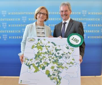 100 NÖ Gemeinden pflegen ihre Grünräume rein ökologisch: Landeshauptfrau Johanna Mikl-Leitner und Landesrat Karl Wilfing