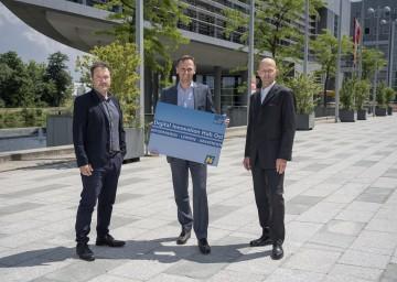 ecoplus Digitalisierungsmanager Peter Brandstetter, Wirtschafts-Landesrat Jochen Danninger und ecoplus Bereichsleiter Unternehmen & Technologie Claus Zeppelzauer (v.l.n.r.)
