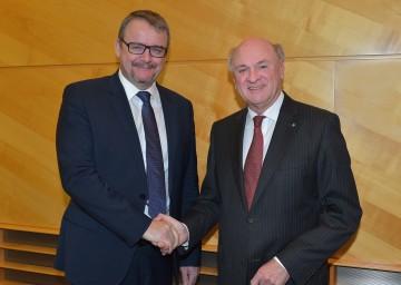 Landeshauptmann Dr. Erwin Pröll führte im Landhaus in St. Pölten ein Arbeitsgespräch mit dem Verkehrsminister Tschechiens, Ing. Dan Tok.