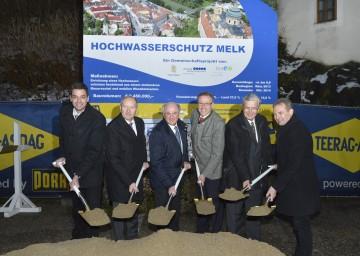 Spatenstich für den Hochwasserschutz in Melk durch Landeshauptmann Dr. Erwin Pröll.