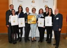 Top 5 BEST RECRUITERS Niederösterreich 2017/18: Markus Gruber vom Career Verlag, Melanie Schmid, Anna Maria Walisch (LKW Walter Group), Thomas Denkinger (LKW Walter Group), Landeshauptfrau Johanna Mikl-Leitner, Sabine Glück (Herold Verlag), Birgit Leitner (Erber Ag), Kai Li Chu (Erber Ag) und Karl Fakler vom Arbeitsmarktservice Niederösterreich (v.l.n.r.).