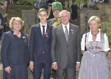 Anita Hohenberg, Erzherzog Ferdinand Zvonimir, Landeshauptmann Dr. Erwin Pröll mit Gattin Elisabeth Pröll (v. l. n. r.).