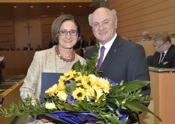 Landeshauptmann Dr. Erwin Pröll nahm die Angelobung der neuen Landeshauptmann-Stellvertreterin Mag. Johanna Mikl-Leitner vor.