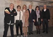 Im Bild von links nach rechts: Peter Noever (ehemaliger Direktor MAK), Künstlerin Brigitte Kowanz, Landeshauptfrau Johanna Mikl-Leitner, Cornelius Grupp, Stadträtin Ingrid Heihs, Rolf Fehlbaum (ehemaliger Vorsitzender von Vitra)
