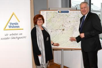 Ingrid Neuhauser, Geschäftsführerin Verein Wohnen, und Wohnbau-Landesrat Martin Eichtinger