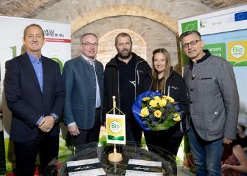 Im Bild von links nach rechts: Werner Roher, Direktor der Messe Wieselburg, LH-Stellvertreter Stephan Pernkopf, Rudi Maierhofer, Sabine Maierhofer und Otto Gasselich, Obmann von Bio Austria Niederösterreich