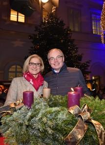 Eröffnung des Adventmarktes im Palais Niederösterreich: Landeshauptfrau Johanna Mikl-Leitner und ihr Stellvertreter Stephan Pernkopf.