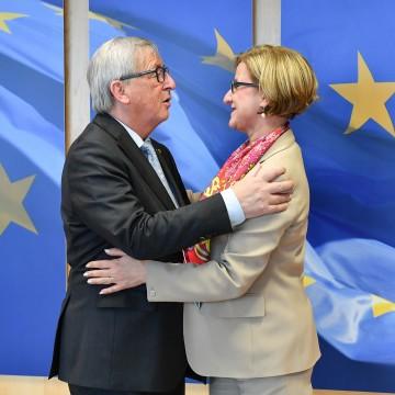 Landeshauptfrau Johanna Mikl-Leitner traf in Brüssel mit EU-Kommissionspräsident Jean-Claude Juncker zu einem Arbeitsgespräch zusammen.<br /> <br />