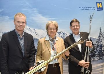 Geschäftsführer Mag. Markus Redl von der Niederösterreichischen Bergbahnen-Beteiligungsgesellschaft, Landesrätin Dr. Petra Bohuslav und Geschäftsführer Christoph Madl von der Niederösterreich-Werbung  (v.l.n.r.)