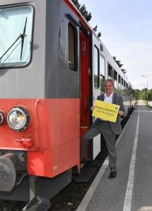 """Verkehrs-Landesrat Karl Wilfing mit der Traisentalbahn: """"Regionalbahnen sind Rückgrat des Öffentlichen Verkehrs"""""""