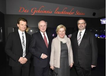 Eröffnung der neuen Sonderausstellung in der Amethyst Welt Maissau: Kurator Michael Zacek, Landeshauptmann Dr. Erwin Pröll, Elisabeth Pröll und Geschäftsführer Dkfm. Josef Piller (von links nach rechts).