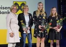 Landeshauptfrau Johanna Mikl-Leitner mit den Sportlerinnen des Jahres 2017. Von rechts: Jessica Pilz, Ivona Dadic und Corina Kuhnle