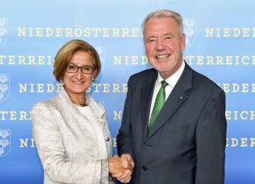 Informierten über das Demokratiepaket: Landeshauptfrau Johanna Mikl-Leitner und Klubobmann Klaus Schneeberger (v.l.n.r.)