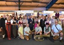 Gruppenbild der Teilnehmer aus Kirchberg an der Pielach mit Landeshauptmann und ARGE-Vorsitzendem Dr. Erwin Pröll.