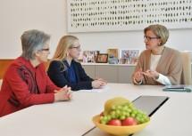 Arbeitsgespräch von Landeshauptfrau Johanna Mikl-Leitner und Wirtschaftslandesrätin Petra Bohuslav mit Wirtschaftsministerin Margarete Schramböck.