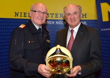 Präsentierten die Einsatzbilanz 2012 der Freiwilligen Feuerwehren: Landeshauptmann Dr. Erwin Pröll und Landesfeuerwehrkommandant Josef Buchta.
