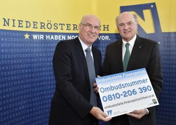 Landeshauptmann Dr. Erwin Pröll und der Präsident der Kammer der Wirtschaftstreuhänder Mag. Klaus Hübner stellten die neue Ombudsstelle für heimische Betriebe bei Finanzkontrollen vor.