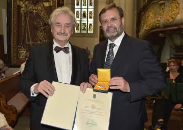 Landtagspräsident Ing. Hans Penz überreichte Prof. Ludwig Güttler hohe Landesauszeichnung.