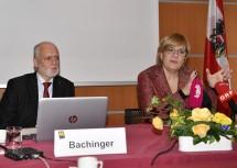 Patientenanwalt Gerald Bachinger und Sozial-Landesrätin Barbara Schwarz informierten zu Neuerungen und Herausforderungen im Pflegebereich (v.l.n.r.)
