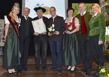 """Als """"Produzent des Jahres 2013"""" wurde das """"Seppelbauer Obstparadies"""" der Familie Datzberger aus Amstetten ausgezeichnet."""