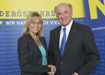 Landeshauptmann Pröll und Bundesministerin Karl informierten zum Thema Bezirksgerichte in Niederösterreich.