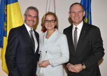 Landeshauptfrau Johanna Mikl-Leitner mit dem designierten Landtagspräsidenten Karl Wilfing (l.) und dem Zweiten Landtagspräsidenten Gerhard Karner (r.).