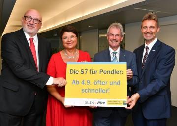 Im Bild von links nach rechts: Landesrat Karl Wilfing, Wiens Finanzstadträtin Renate Brauner, ÖBB-Chef Andreas Matthä und VOR-Geschäftsführer Wolfgang Schroll