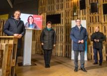 Von links: Landesrat Danninger, ÖBB-Vorstand Angelo, ecoplus-Vorstandsvorsitzende-Stv. Hinterholzer, Bürgermeister Haberhauer, ecoplus-Geschäftsführer Miernicki