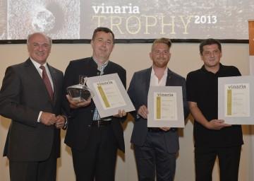 Bei der Vinaria Trophy 2013 im Palais Niederösterreich überreichte Landeshauptmann Dr. Erwin Pröll u. a. die Preise in der Kategorie Grüner Veltliner an das Weingut Nigl, das Weingut Hirtzberger und den Vorspannhof Mayr (v.l.n.r.)