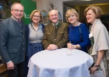 Im Bild von links nach rechts: LH-Stellvertreter Stephan Pernkopf, Landeshauptfrau Johanna Mikl-Leitner, Edgar Niemeczek, Landesrätin Barbara Schwarz und Dorothea Draxler.