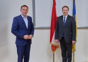 Wirtschaftslandesrat Jochen Danninger, Christian Helmenstein, Vorstand des Economica-Instituts für Wirtschaftsforschung (v.l.n.r.)