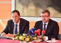 Straßenbaudirektor DI Josef Decker und Landesrat DI Ludwig Schleritzko bei der Pressekonferenz zur Zukunft des NÖ Straßenbaus (v.l.n.r.)