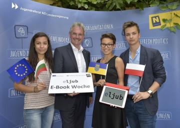 Bei der eljub E-Book Woche: Dayana Yordanova (Bulgarien), Jugend-Landesrat Mag. Karl Wilfing, Sophie Hochenauer (NÖ), Mateusz Durski (Polen)