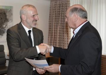 Landeshauptmann Dr. Erwin Pröll traf am heutigen Donnerstag, 23. Mai, im NÖ Landhaus in St. Pölten mit Vertretern der IG Weinviertel und IG Waldviertel zusammen.
