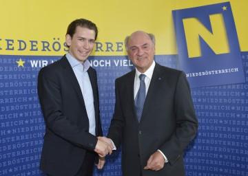 Landeshauptmann Dr. Erwin Pröll und Staatssekretär Sebastian Kurz zum Thema Demokratiepaket.