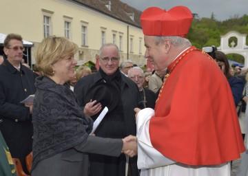 Eröffnung der Hochschule Heiligenkreuz: Landesrätin Mag. Barbara Schwarz, Altabt Gregor Henckel Donnersmarck und der Wiener Erzbischof Kardinal Christoph Schönborn. (v.l.n.r.)