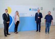 Geschäftsführer Martin Etlinger (MAG; von links), Beraterin Daniela Sieberer, Landesrat Martin Eichtinger und Josef Heidenbauer (Nah&Frisch Würmla) sprachen zur NÖ Karenzberatung.