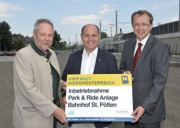 Eröffneten Park & Ride Anlage beim Bahnhof St. Pölten: NÖ Straßenbaudirektor DI Peter Beiglböck, Landeshauptmann-Stellvertreter Mag. Wolfgang Sobotka, Bürgermeister Mag. Matthias Stadler (v.l.n.r.)