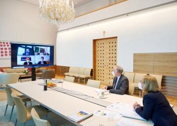 Videokonferenz mit tschechischen Kreishauptleuten: Landeshauptfrau Johanna Mikl-Leitner und Landesrat Martin Eichtinger