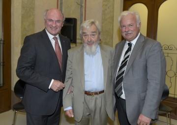"Eröffnung der Ausstellung \""Rainer Universalis\"" im Arnulf Rainer Museum: Landeshauptmann Dr. Erwin Pröll, Künstler Arnulf Rainer und Bürgermeister Kurt Staska. (v.l.n.r.)"