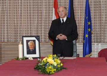 Zum Ableben von Landeshauptmann a. D. Andreas Maurer fand heute eine Trauersitzung der NÖ Landesregierung statt.