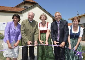Eröffneten den Lavendelschaugarten in Maissau: Maria Forster, Landeshauptmann Dr. Erwin Pröll, Grete Stanek, Bürgermeister Josef Klepp und Helga Zeiler-Rausch (v. l. n. r.)