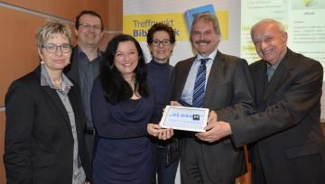 """Landesrat Mag. Karl Wilfing präsentierte in St. Pölten die neue Initiative \""""Onleihe eBooks\"""" an den niederösterreichischen Bibliotheken."""