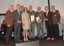 Ehrungen gab es für Oberst Bruno Deutschbauer (4. v. r.), Militärkommandant Martin Jawurek (3. v. r.) und ORF-Redakteur Marvin Wolf (2. v. r.).