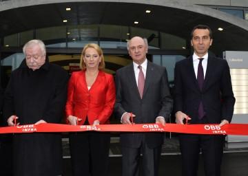 Bürgermeister Dr. Michael Häupl, Verkehrsministerin Doris Bures, Landeshauptmann Dr. Erwin Pröll und ÖBB-Vorstandsdirektor Dr. Christian Kern.